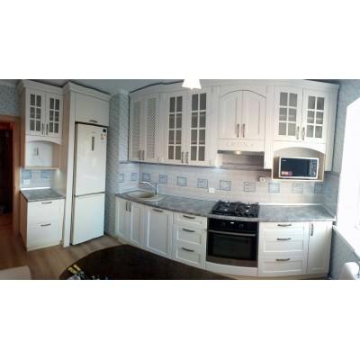 Кухня с арочными фасадами